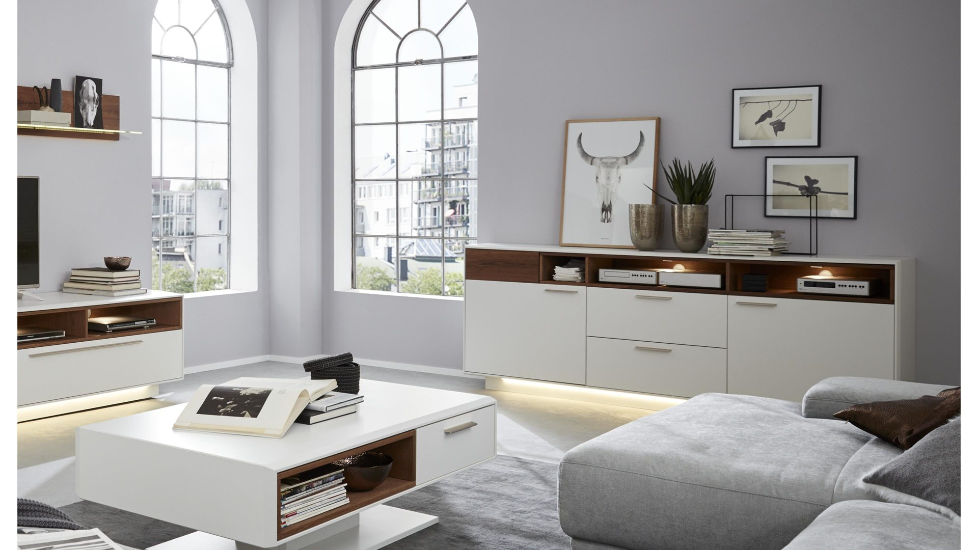 mobel boer coesfeld mobel boer interliving interliving wohnzimmer serie 2102 sideboard dunkles asteiche furnier weisser mattlack metallkufen zwei